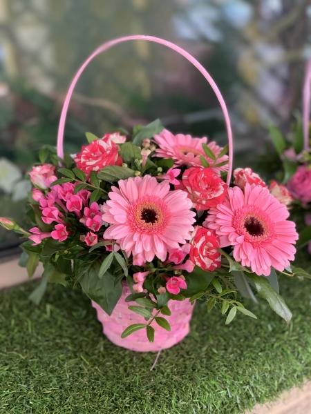 Мини- корзиночка в розовых тонах с герберой