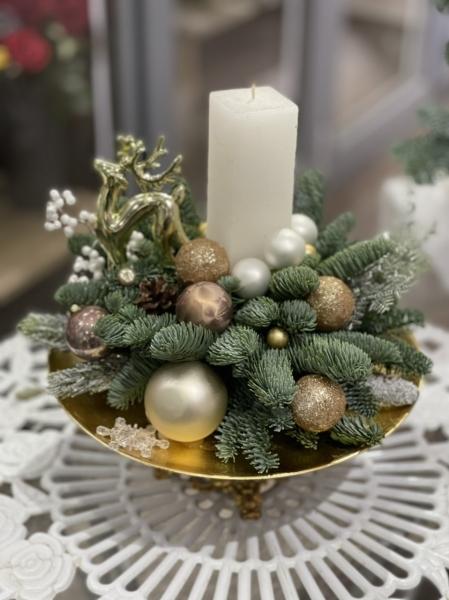 Новогодняя композиция со свечой «элегантная»