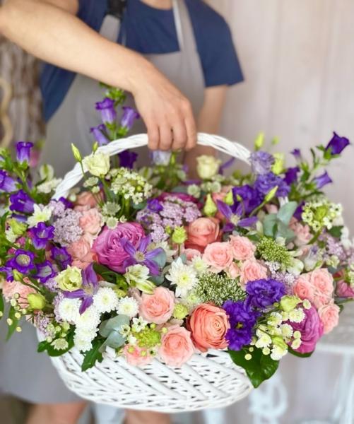 Корзина с цветами «дивный сад»