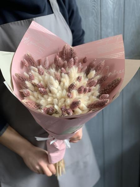 Букет из белого и розового Лагуруса
