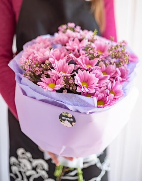 Букет из розовой хризантемы
