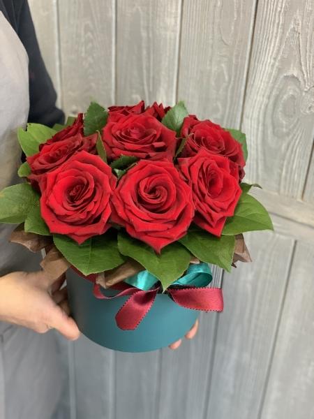 Коробка с Розами с зеленью