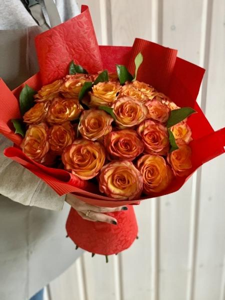 25 ярких роз