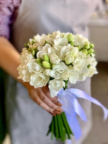 Свадебный букет с фриезией