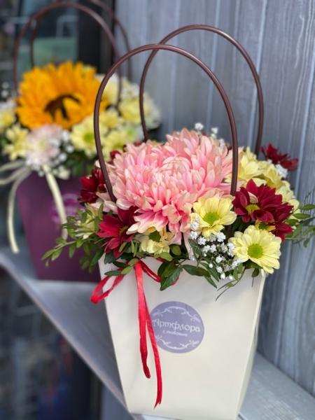 Сумочка с хризантемой