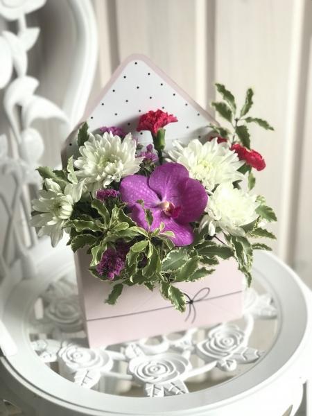 букет-конверт с орхидеей Ванда