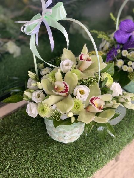 Мини- корзиночка из орхидеи