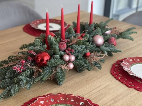 Большая новогодняя композиция со свечами «праздничная»