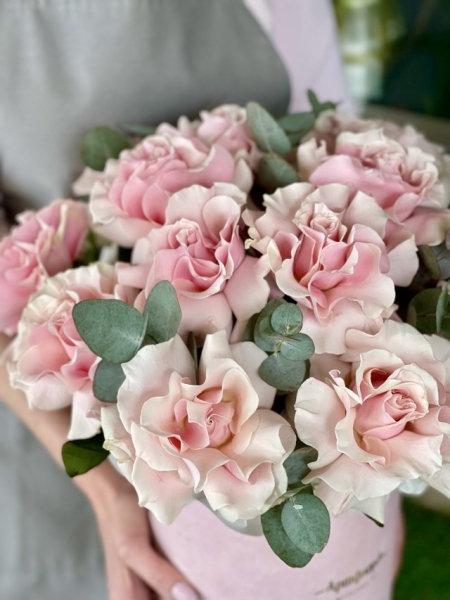 Бархатная коробка с французскими розами