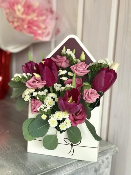 Букет-конверт с тюльпанами