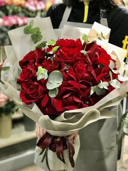 Букет из французских роз Бордо
