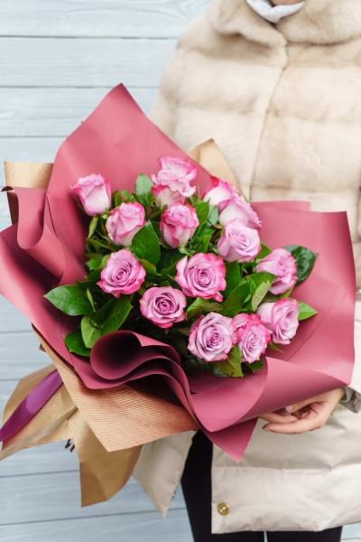 Букет из розы Дип Пепрл