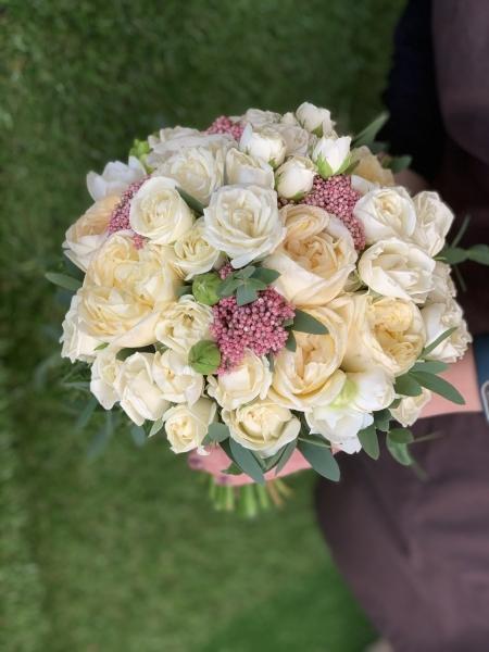 Свадебный букет с пионовидными розами  «нежный поцелуй»